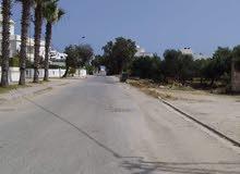 استئجار A فيلا S + 3 مفروشة مع حديقة ومرآب 359م يقع 300 متر من الشاطئ