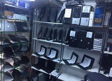 يوجد لدينا شاشات 17و 19و 22  مستعمله  الأسعار 120 إلى 400