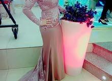 فستان سواريه بحاله الجديد استعمال ساعتين فقط