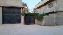 منزل من طابقين عباد