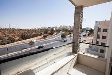 شقة طابق ثالث مميزة بموقع رائع  واطلالة خلابة في الجبيهة قريبة من كل الخدمات وبحي راقي