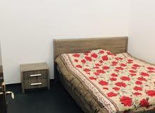 فرصة لن تعوض شقة غرفتين مفروشة وشامل  الكهرباء في المحرق للإيجار فقط 200 دينار