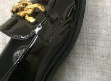 حذاء لوفر بسلسلة