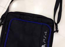 حقيبه للبلايستيشن 4  جديده جدا   ونظيفه