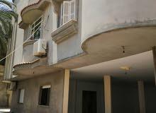 فيلا سكنية ممتازة 3طوابق نظام مفصول ومحل تجاري في زناته الجديده