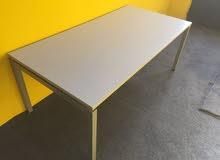 طاولات مكاتب صناعة أوروبية