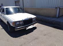 Mercedes Benz E 200 1982 for sale in Amman