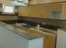 شقة للاايجار(غرفة وصالة وحمام ومطبخ) تشطيب سوبر لوكس العقار بحالة ممتازة