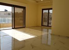 شقة للبيع طابق اول في الزرقاء الجديدة ماريوسف مساحة 180م