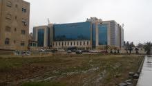 ارض استثمارية بامتياز  بجانب مستشفى الرويال  للبيع او الاستئجار او  الاستثمار