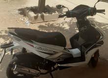 دراجة نارية لي البيع من نوع سكوتر موديل 2019 أول إستعمال.