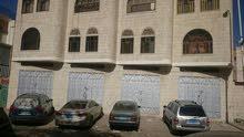 محلات أربع فتحات للإيجار كمخازن عند شارع الستين من افضل المواقع في صنعاء