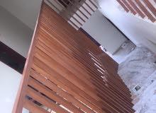 ورشة نجارة للأثاث الخشبي والابواب الخشبية والديكورات على مستوى عالي من الجودة