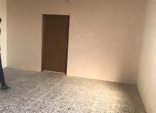 بغداد/ابو دشير الشارع التجاري  بنايه بناء حديث درجه أولى سعر العياده 200 الف شهريا