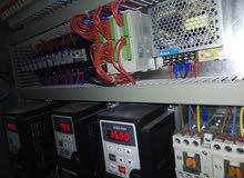 مهندس ميكاترونكس مختص بالتحكم الآلي والكهرباء الصناعية