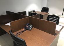 أثاث مكتب بحالة ممتازة للبيع كامل او بالتجزئه