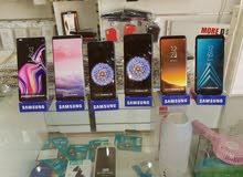 يوجد لدينا جميع الأجهزة الهواتف الذكية و الاكسسوارات وارقام مميزه للبيع