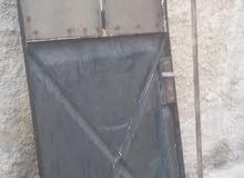 باب حديد سطح بحالة جيده جدا
