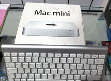 مع وايرليس كيبورد اصلي من ابل Mac mini