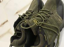 حذاءجبلي مستخدم تقريبا 3 مرات جودة عاليه وجميل السعر 20