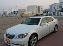 لكزس 460ls VIP فول ابشن موصفات خليجي وكاله عمان سرفس في برستشون  ابيض لولوى من د