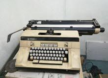 آلة كاتبة للبيع