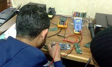 احترف دورة صيانة الموبايلات مع المدرب المحترف المهندس توفيق ابو الرب(التدريب عملي )