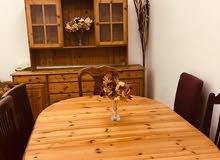 للبيع بوفيه وطاولة طعام ( خشب أصلي صنوبر )