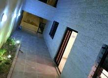 للبيع أو للايجار شقة  في مرج الحمام قريبة من دوار البكري موقع مميز وبناء جديد