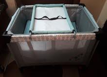 سرير اطفال من عمر حديث الولادة الى عمر 3 سنوات بسعر 40 دينار للاتصال على الرقم 0787235763