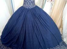 فستان ملكه للبيع