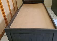 عدد 2 سرير خشبي