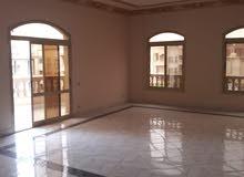 شقة فاخرة تشطيب فاخر سكن مميز للإيجار بالشويفات التجمع الخامس ب 11000