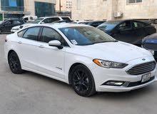 2018 Ford Fusion SE HYBRID مع فتحة