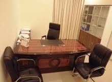 مكاتب اجتماعات وفردية