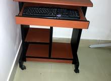 طاولة كومبيوتر table of computer