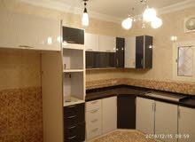 شقة خمسة غرف ومطبخ وحمامين للايجار