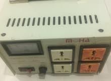 محول كهرباء وينظم التيار للحفاظ على الاجهزه من تردد التيار والقوه مناسبه 1000w