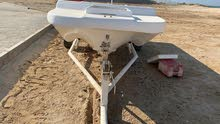 قارب 17 قدم مع قالوصة