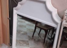 مرآة إطار خشبي
