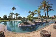 فيلا راقية للإيجار 5 غرف ماستر عصرية بمدينة مراكش الحمراء بالمغرب