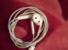سماعات ايفون 7بلس اصليات (((فكك من الكرتونه)))