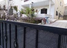 بيت طابقين للبيع في منطقة السرو السلط للاستفسار 0772451057