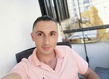 شاب عمري 28 كردي سوري  الجنسية لدي دفتر لبناني موتسيك وسيارة خصوصي