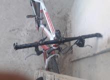 دراجه هوائيه صنع امريكي لون ابيض واحمر
