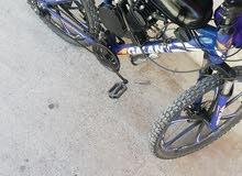 دراجة هوائية بمحرك يعمل على بنزين مستعمل للبيع اسعتمل 20يوم
