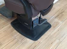 7 كراسي حلاقه للبيع + كرسي بدكير ومنكير