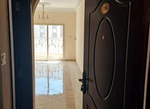 شقة 3 غرف وصالة وثلاث حمامات