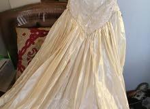 فستان عرس بحاله ممتازه للبيع للمصمم  اللبناني العريس