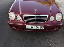 Maroon Mercedes Benz E 200 2001 for sale